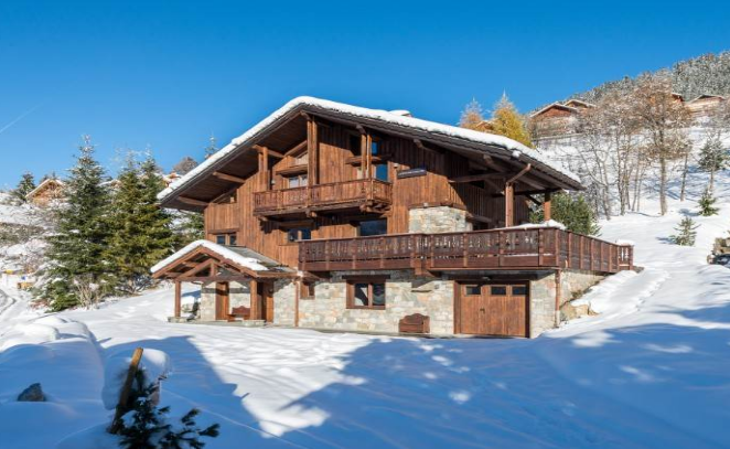 An external view over the chalet Pousse Caillou in Meribel